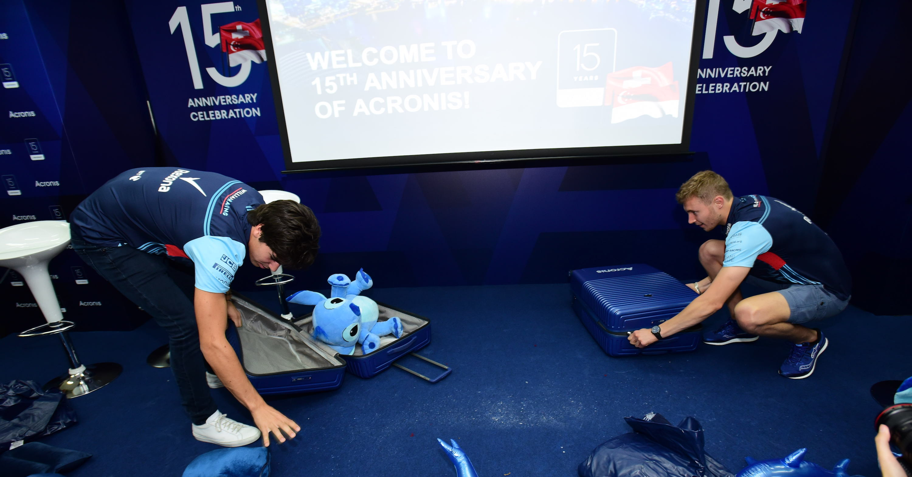 Lance stroll and Sergey - suitcase packing race.